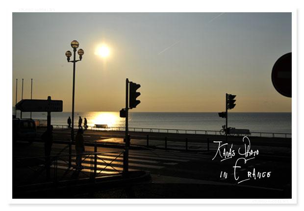 ニースで朝陽。.jpg